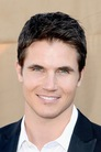 Робби Амелл (Robbie Amell)